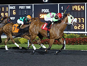 Miss Mischief wins the 2015 HBPA Stakes at Presque Isle October 6, 2015.