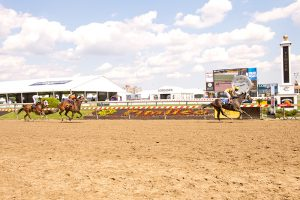 Andrasta won by 4 3/4 lengths on Thursday of Preakness week