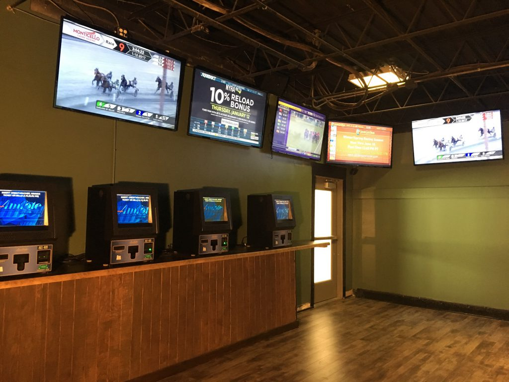 Ponies & Pints has a horseplayers exclusive room (shown here) and other areas where sports and horse races are shown together.